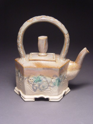 cream and gray teapot