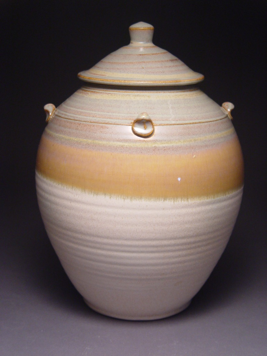 cream-urn-2