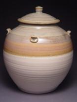 cream-urn